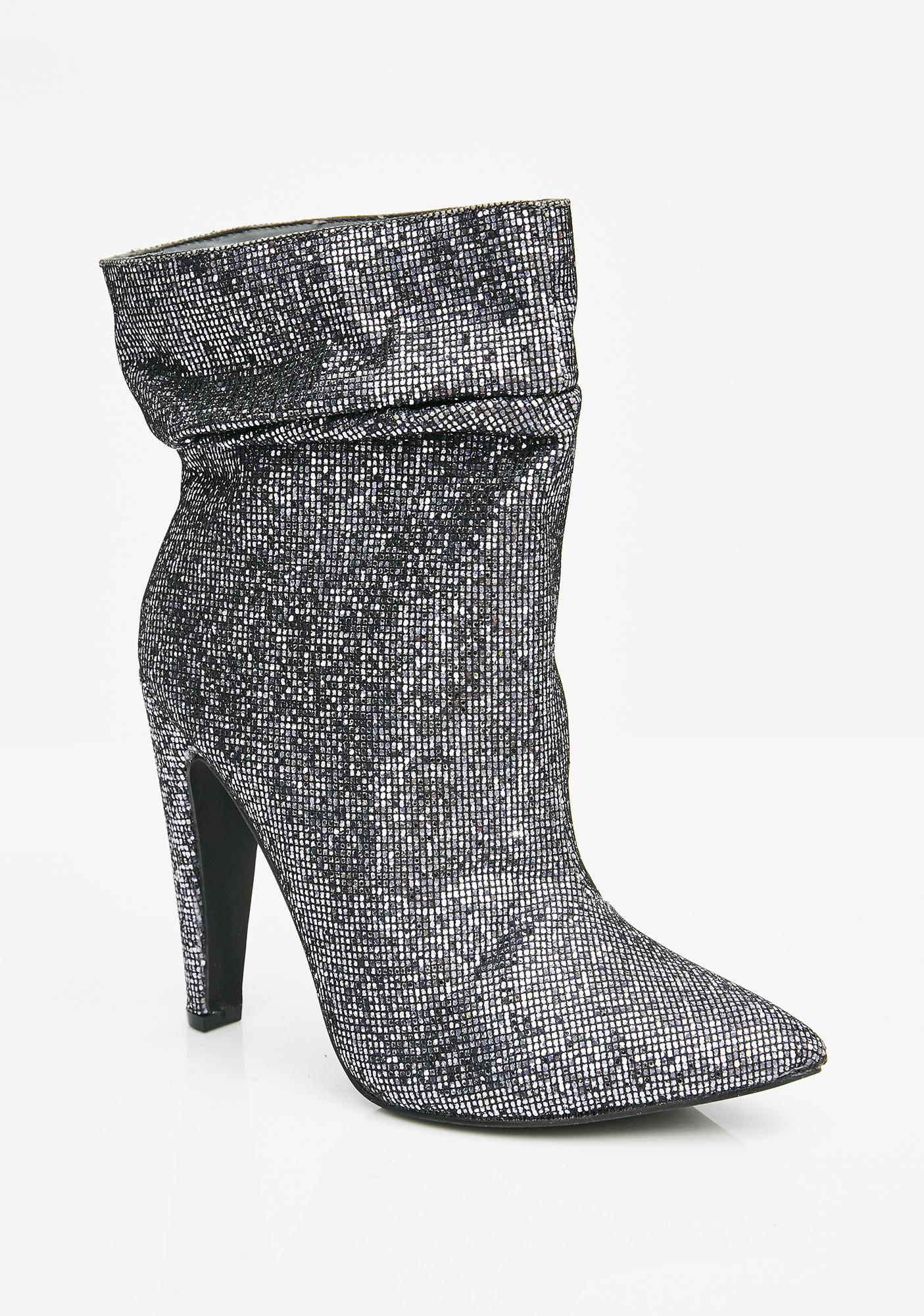 Shining Armor Chainmail Boots