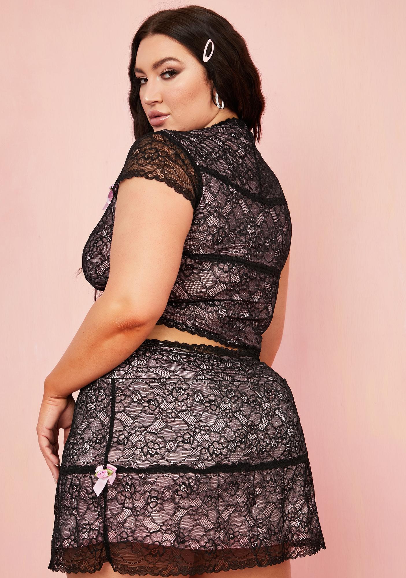 Sugar Thrillz In Portrait Mode Lace Mini Skirt