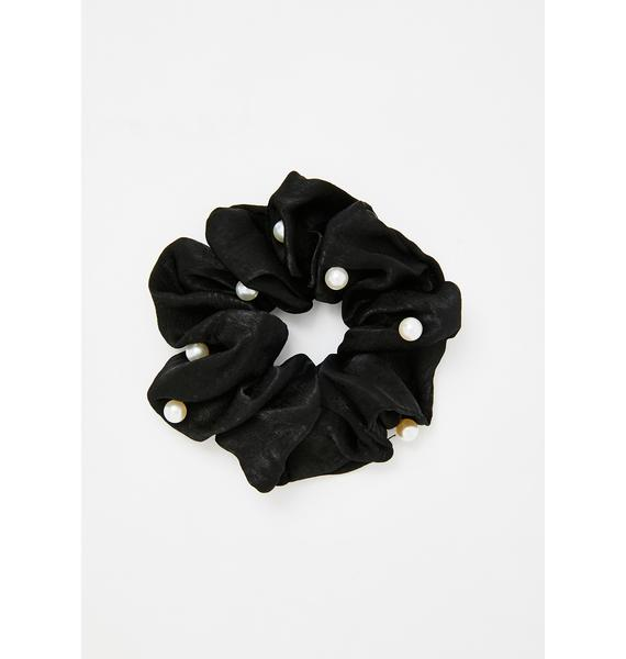 Perfectly Prissy Pearl Scrunchie