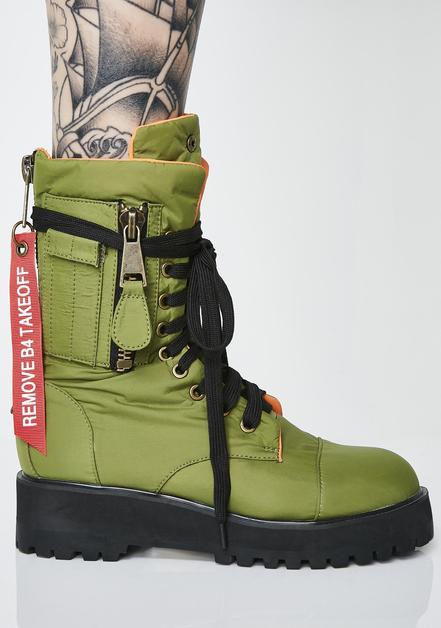 Poster Grl Kush Combat Flight Boots