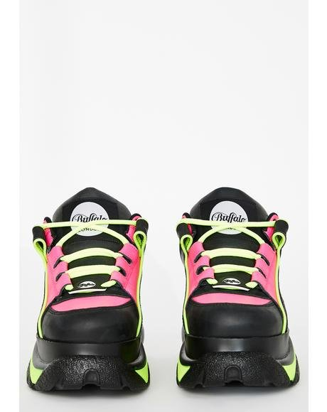 Fuchsia Neon Classic Low Leather Sneakers