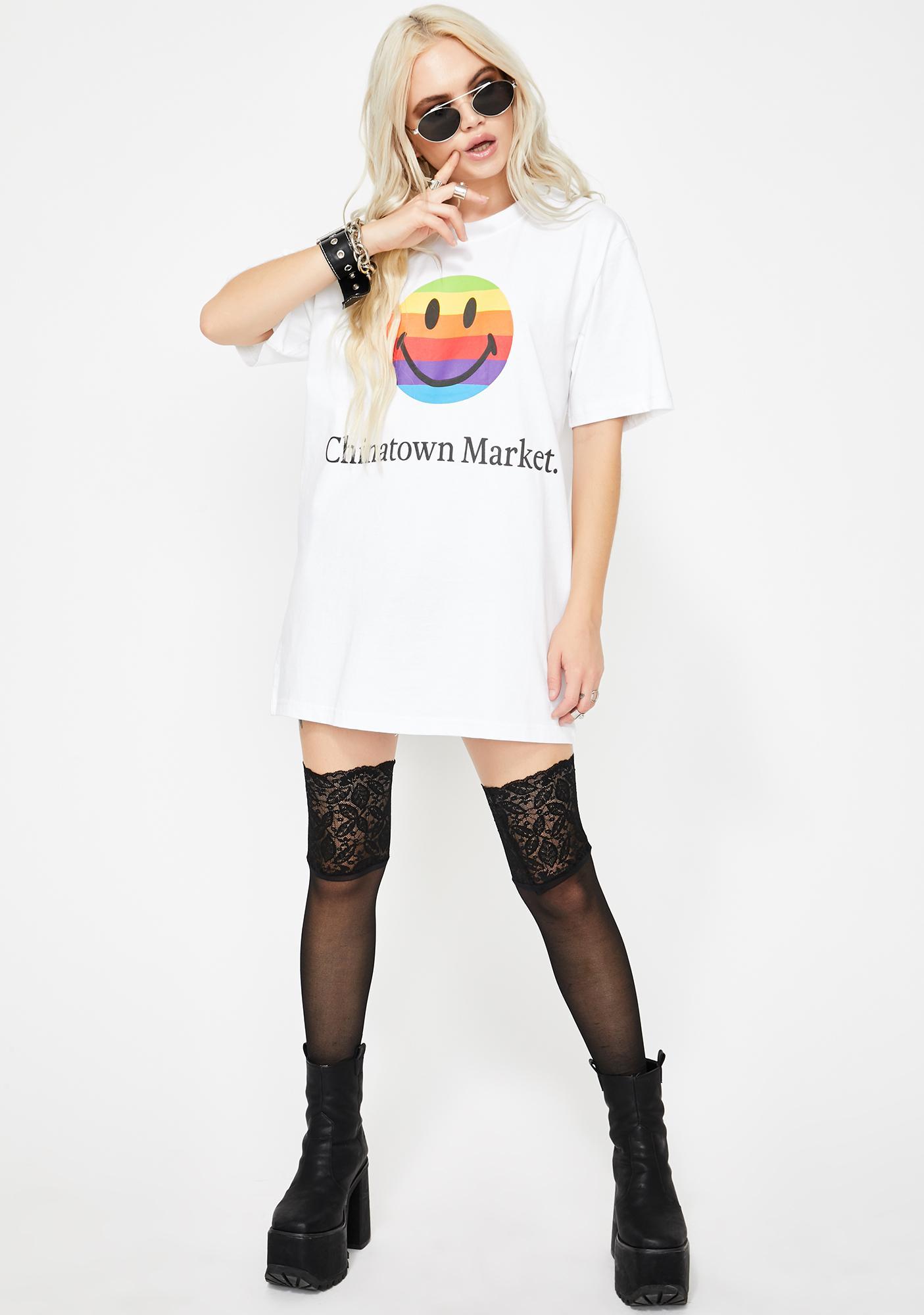 CHINATOWN MARKET Smiley Apple Graphic Tee
