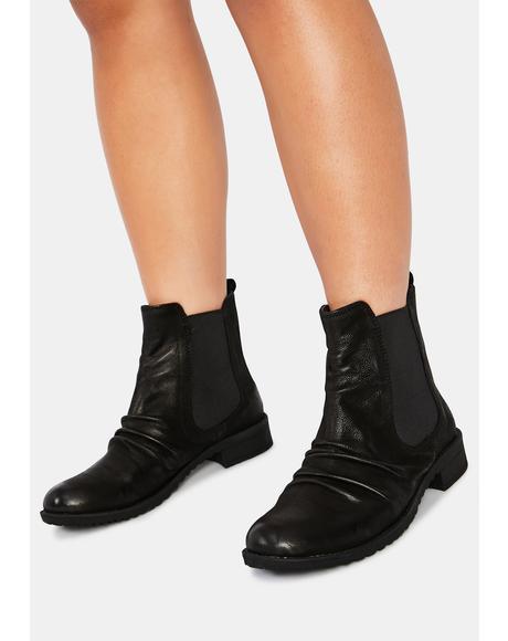 Trail Nubuck Chelsea Boots