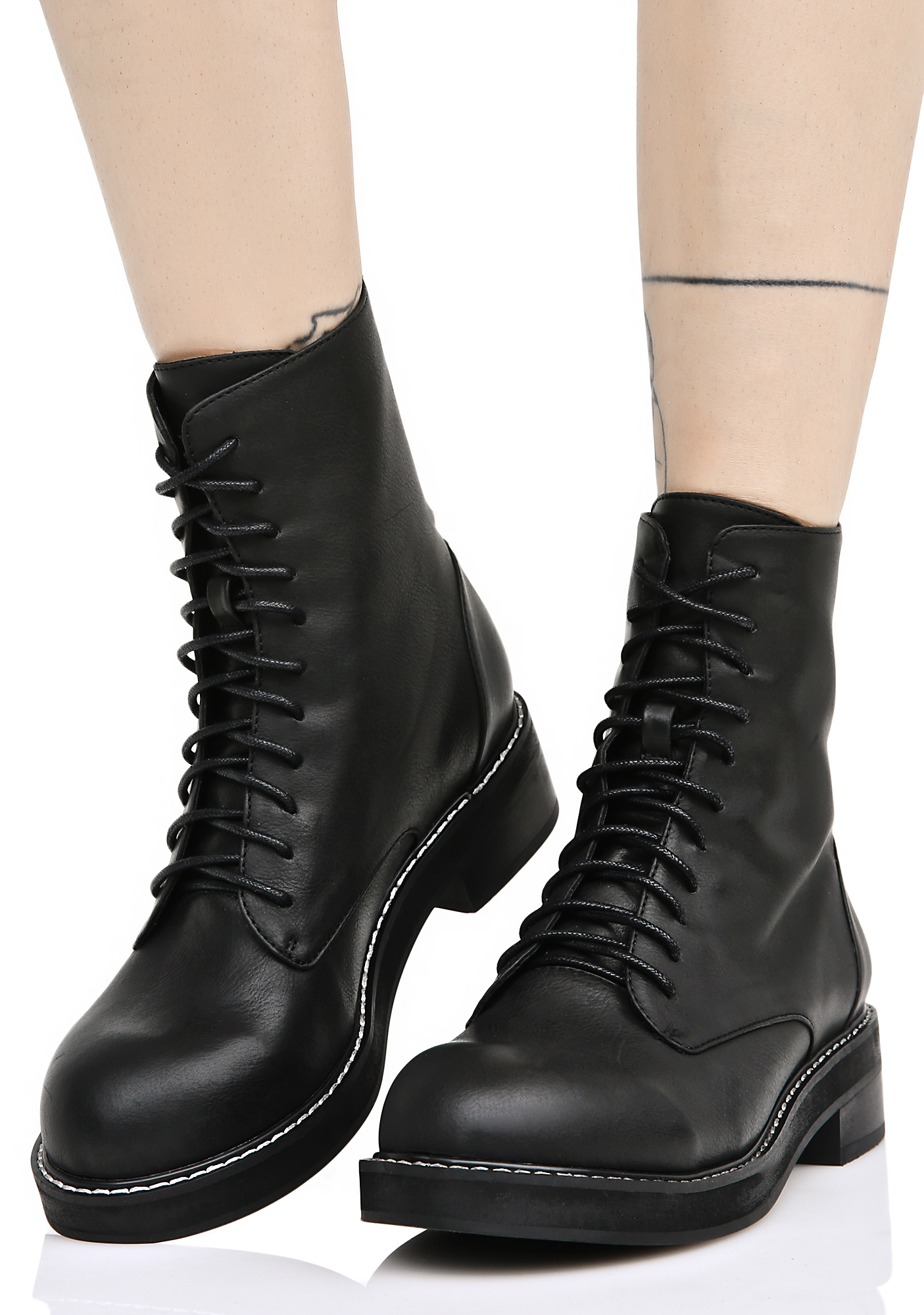 Current Mood Eyeletless Boots