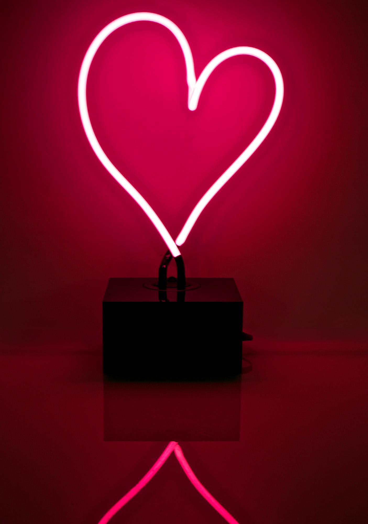 Neon MFG Heart Light Dolls Kill