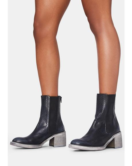 Black Essential Chelsea Boots