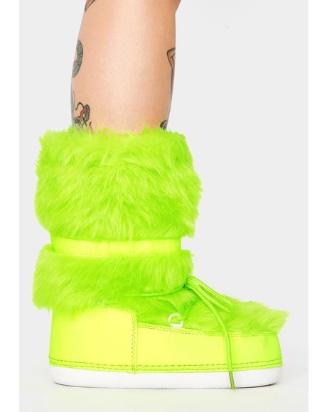 Cash Baddie Burr Fuzzy Boots
