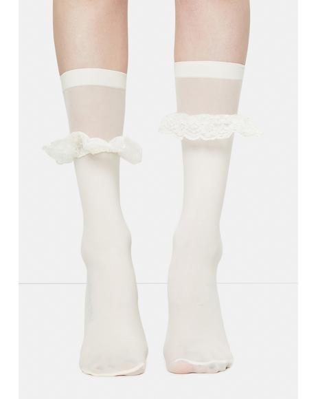 White Ruffleina Ankle Socks