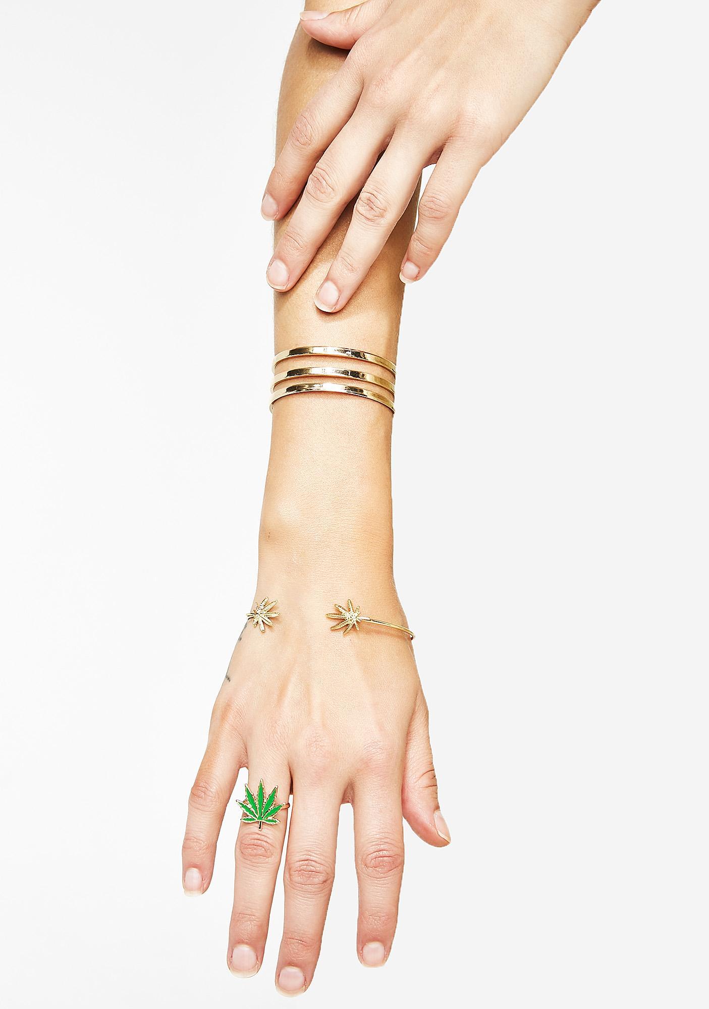 Aim High Weed Leaf Ring