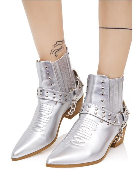 Metallic Gunslinger Chained Boots