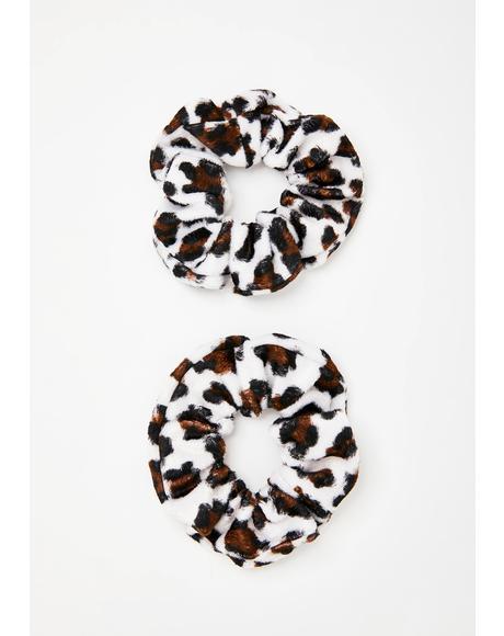 Moo've Over Furry Scrunchie Set