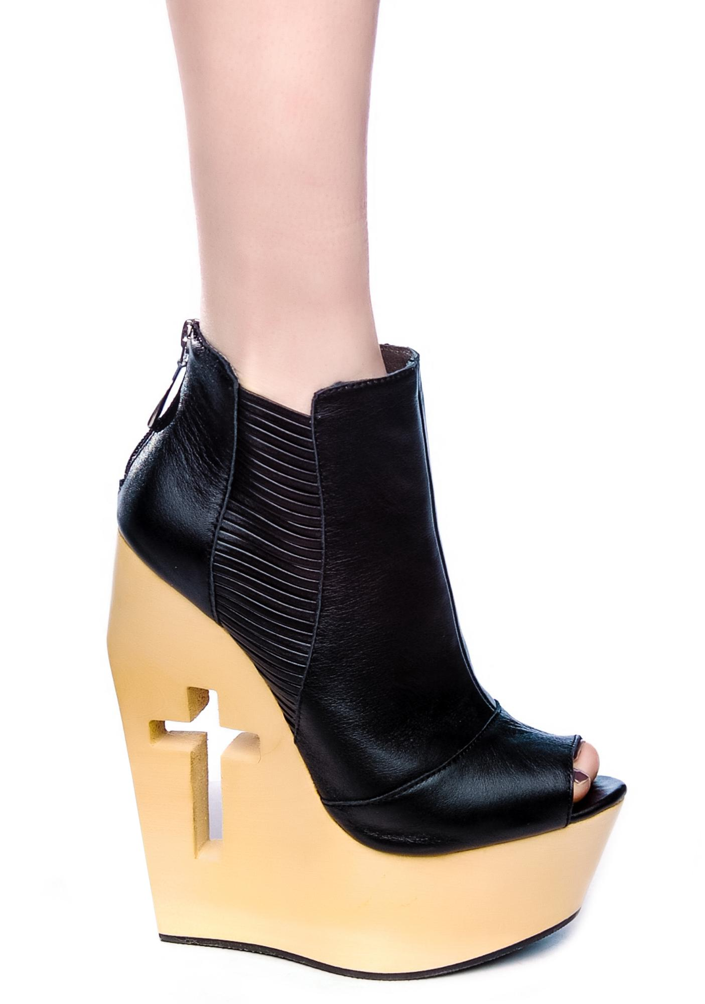 Slash Cut Out Wedge
