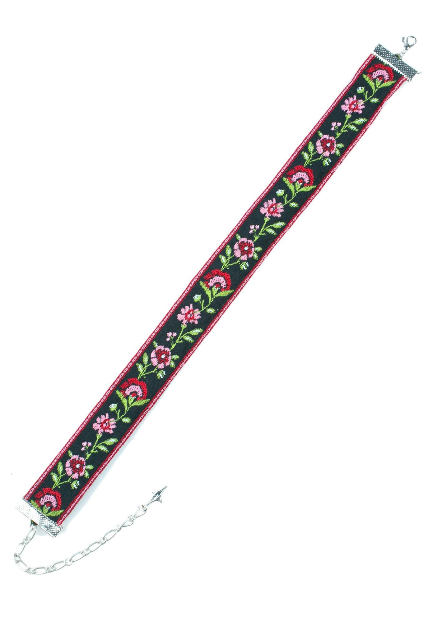 Love And Madness Rose Choker