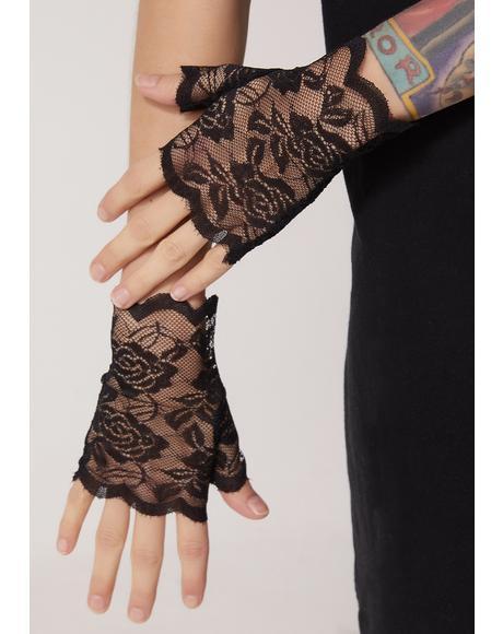 Lust Affair Lace Gloves