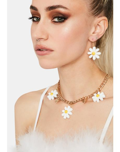 Icy Daring Daisy Earrings Set