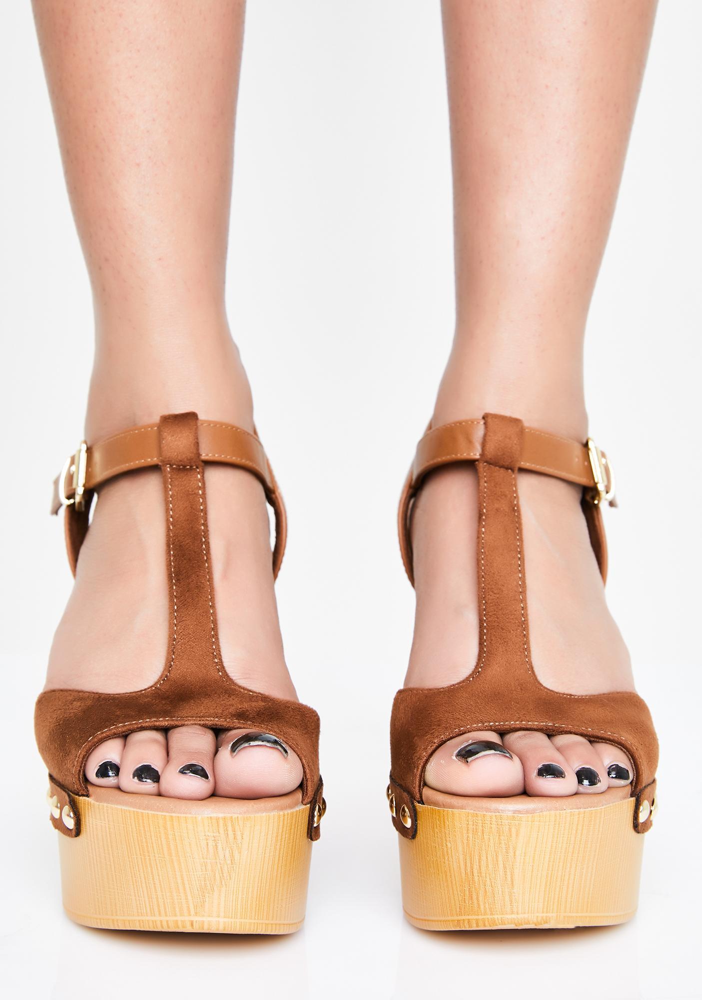 Caramel Pinup Mood Studded Heels