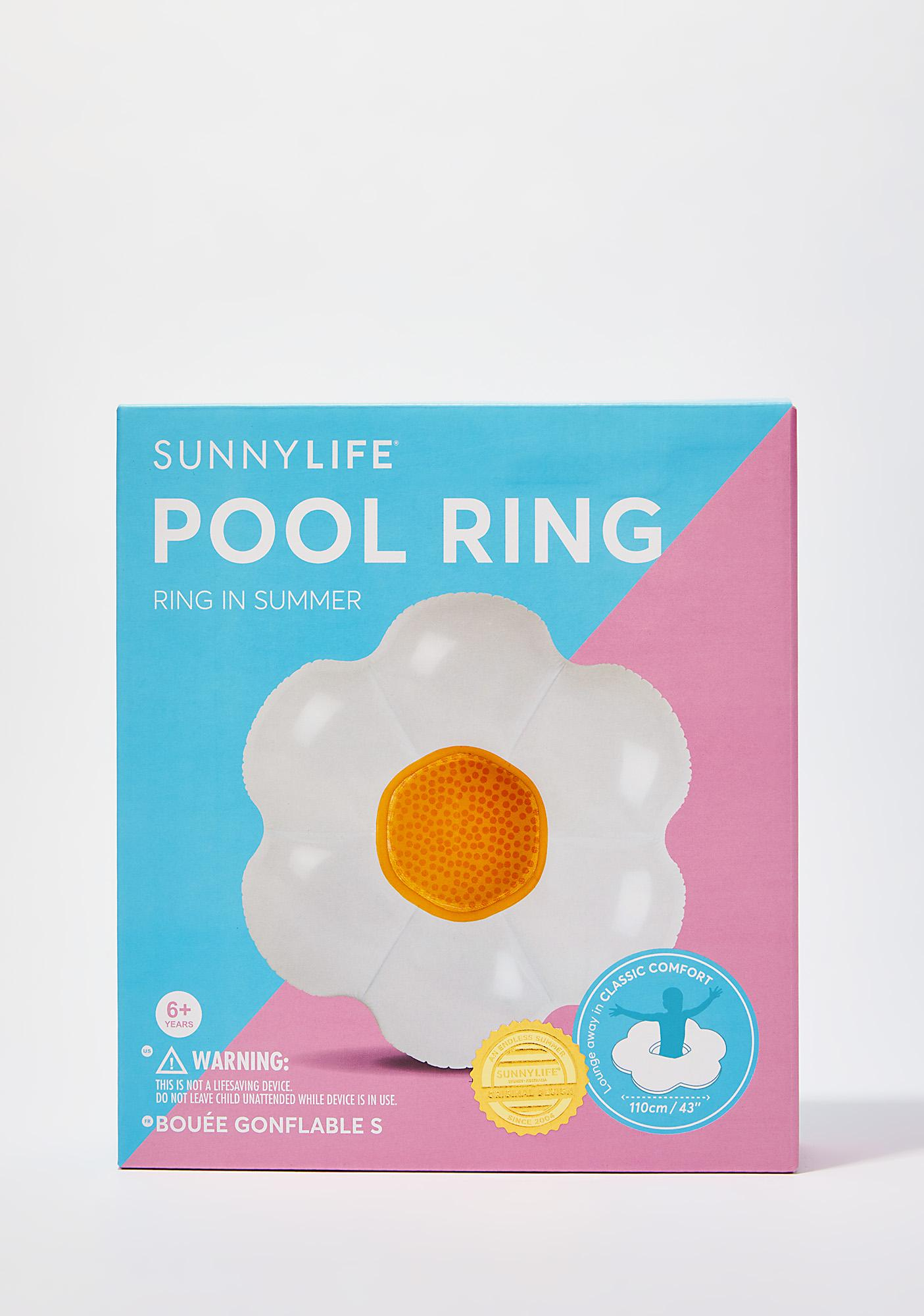 Chillin' On A Daisy Pool Ring