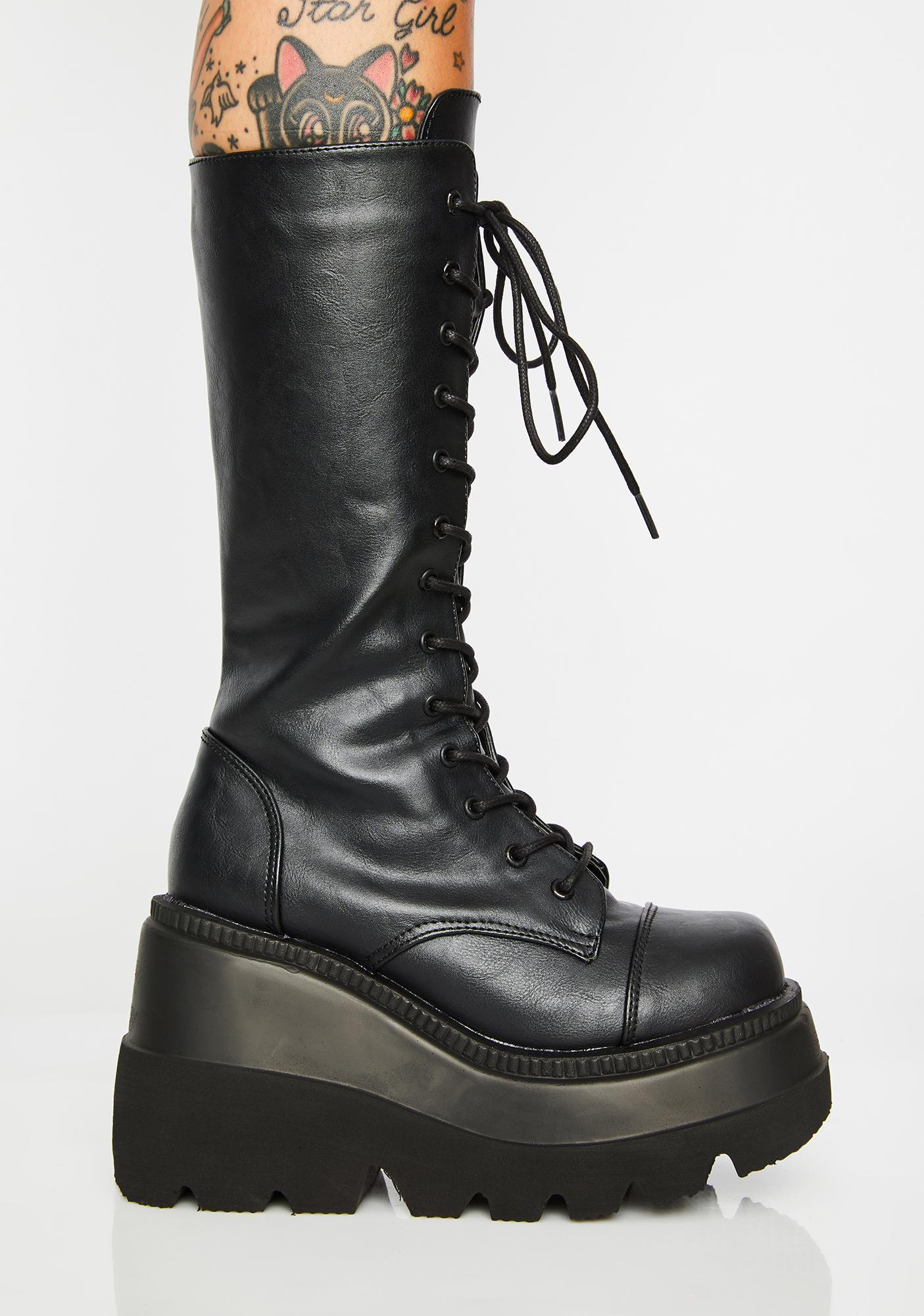 Demonia Wicked Twist Shaker Boots