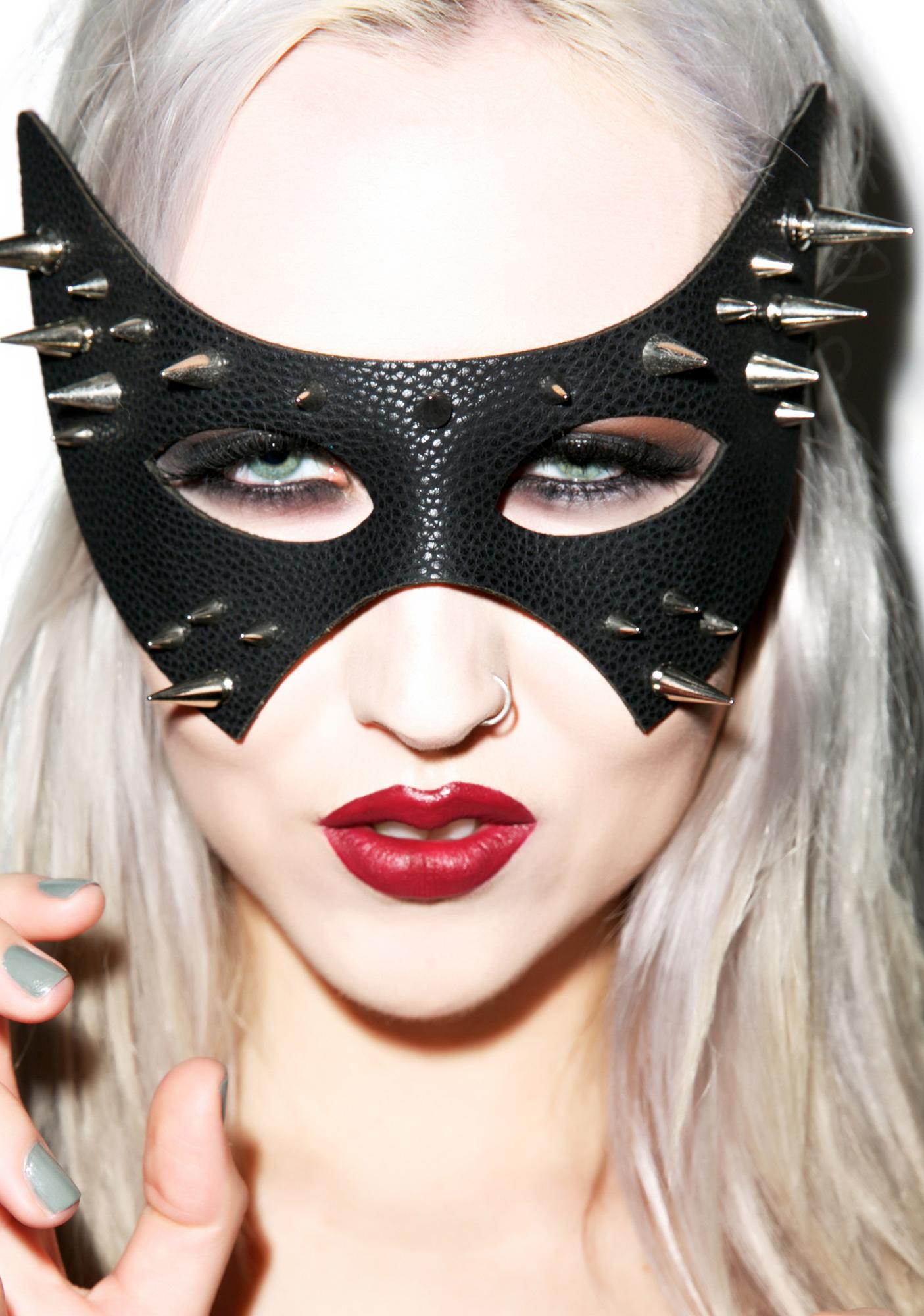 The Huntress Spiked Mask