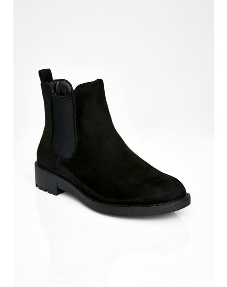 Step To The Side Chelsea Boots