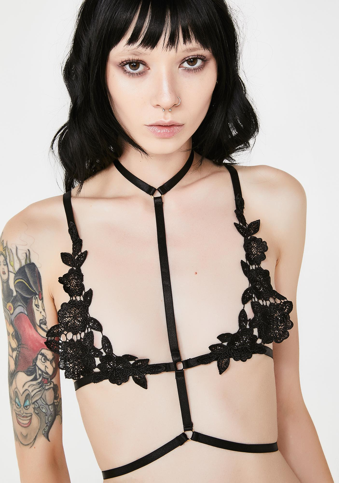 576f283e022bf Floral Lace Black Harness Bra
