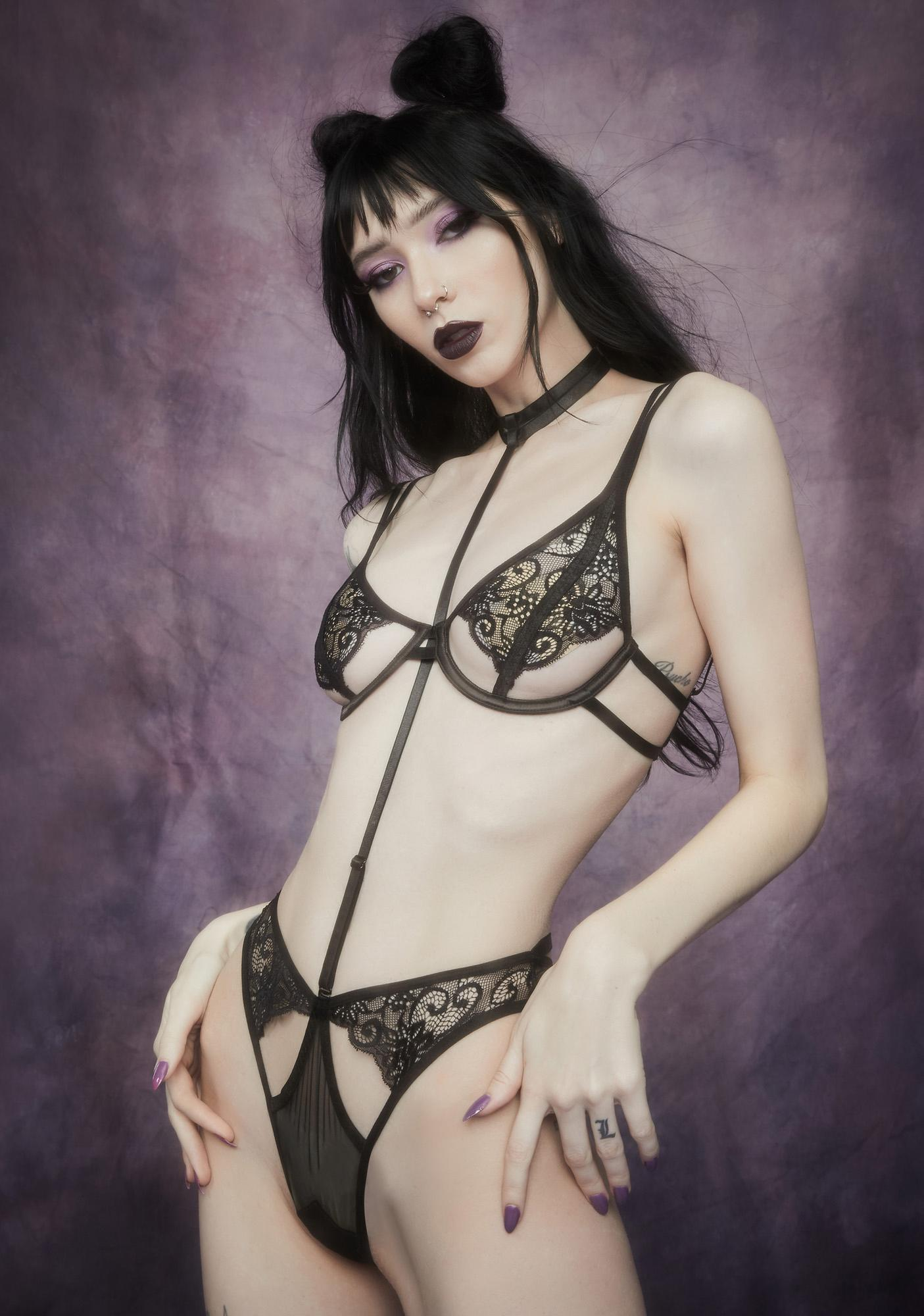 Widow Finding Neverland Strappy Lace Lingerie Set