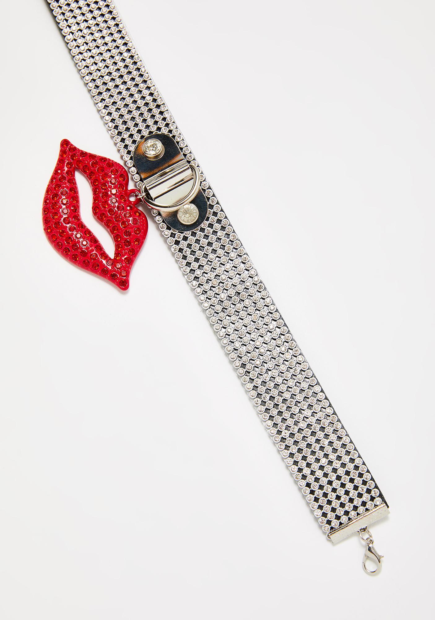 Kiss Of Luxury Lips Choker