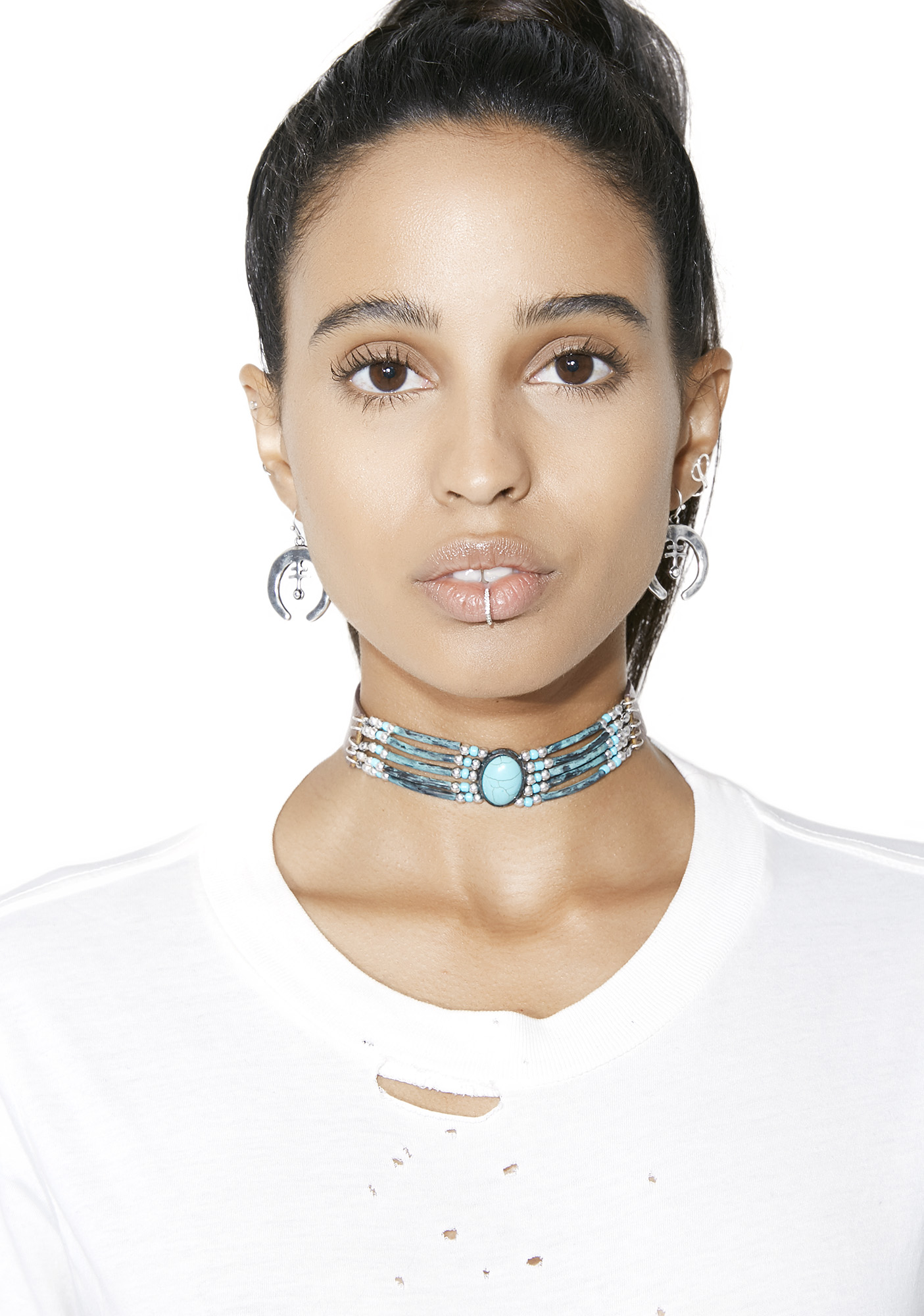 Front N� Center Beaded Choker