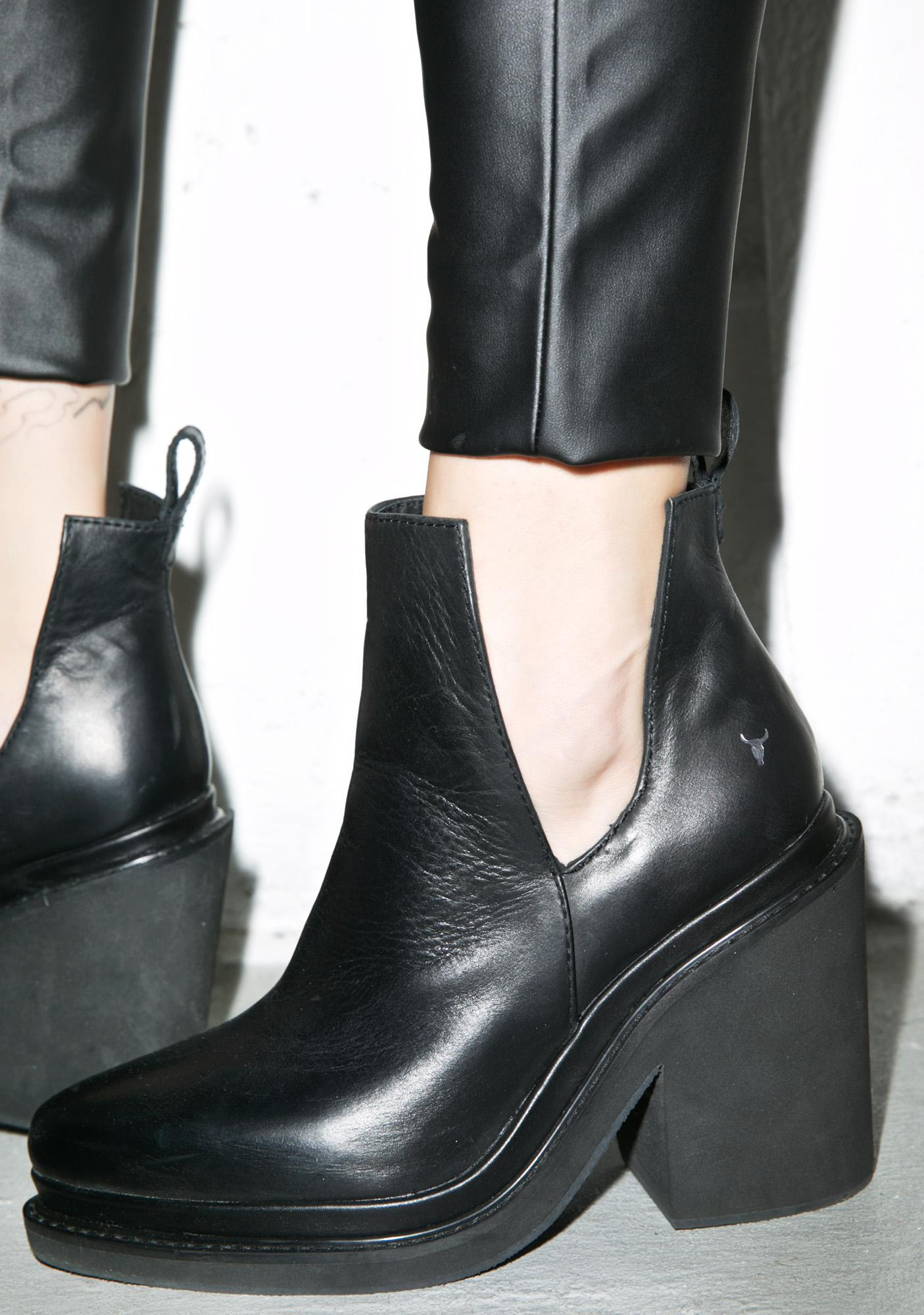 cut out ankle boots how to wear