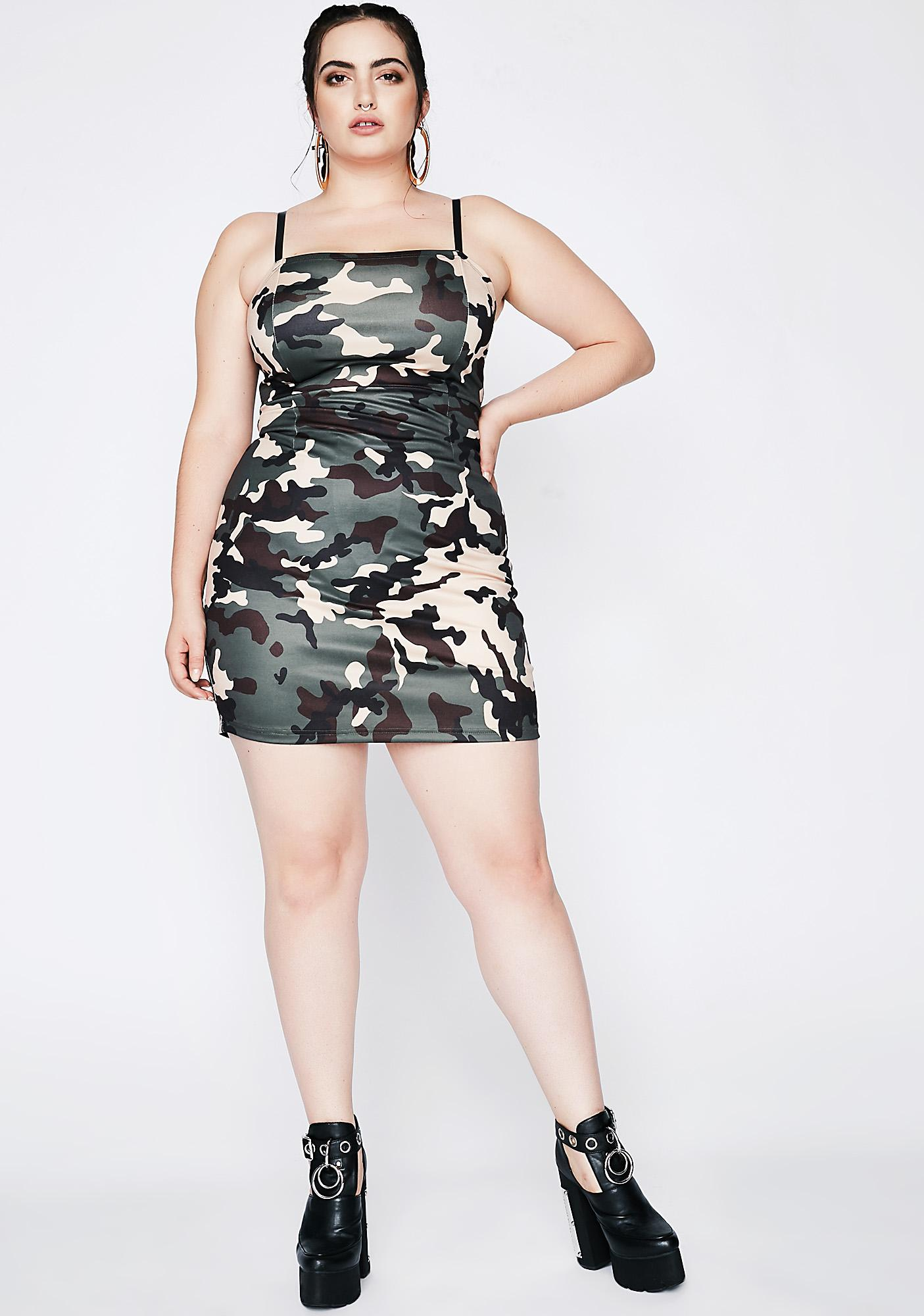 Poster Grl Armed And Dangerous Camo Dress