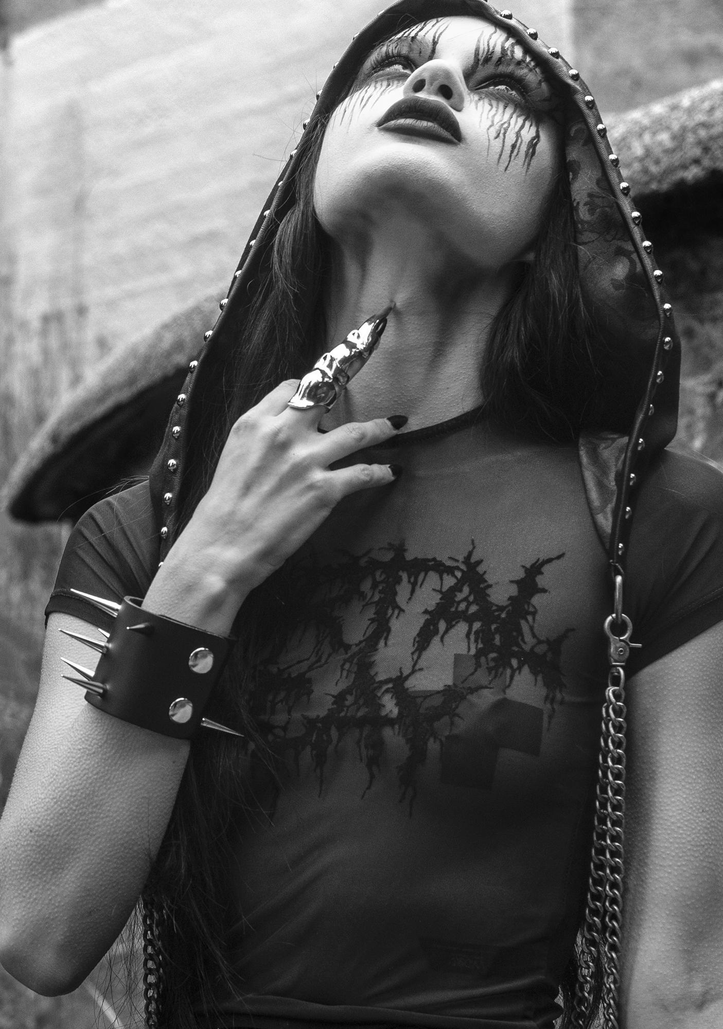 Widow Evil Dimensions Chain Hood