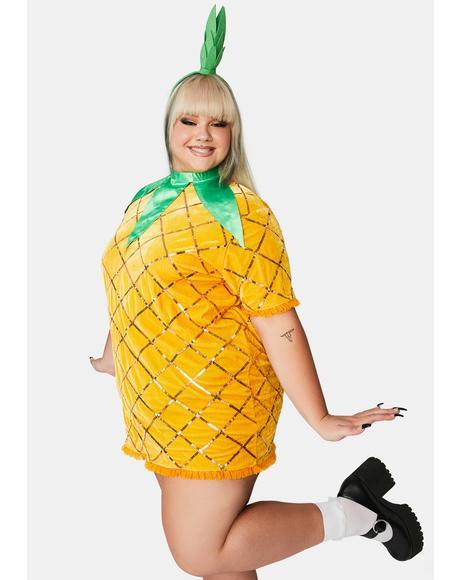 She's Lil Miss Fine-Apple Costume