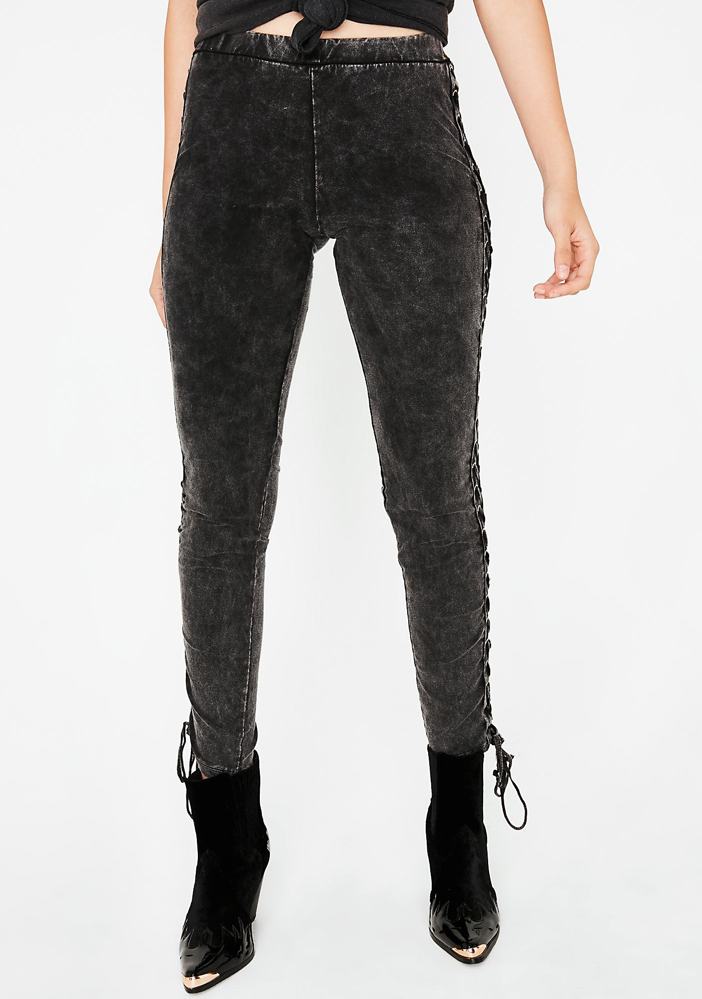 Come My Way Lace-Up Leggings