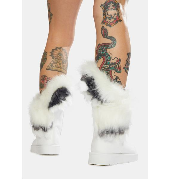 Icy Frostbitten Fur Boots