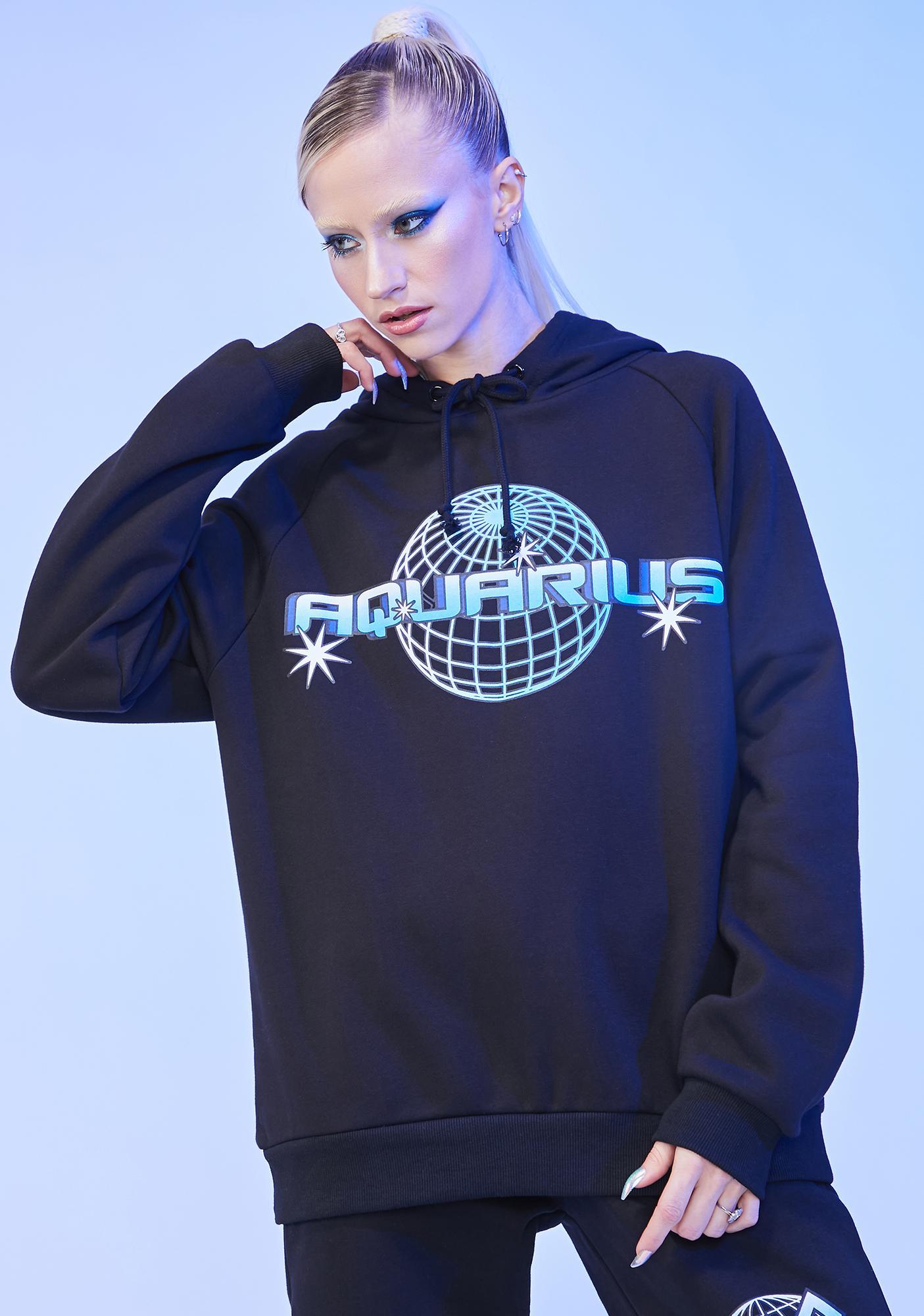 HOROSCOPEZ Aquarius Worldwide Graphic Hoodie