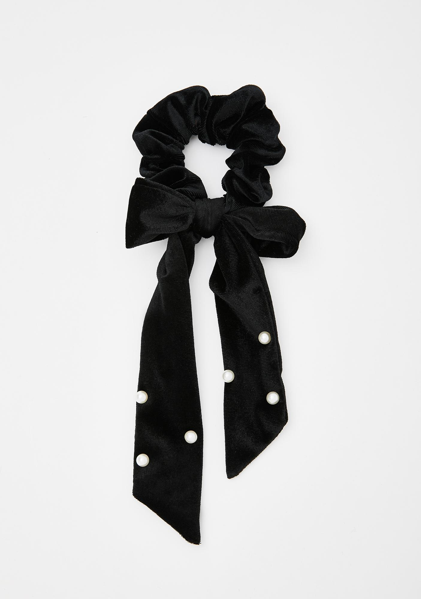 Pearly Smiles Bow Scrunchie