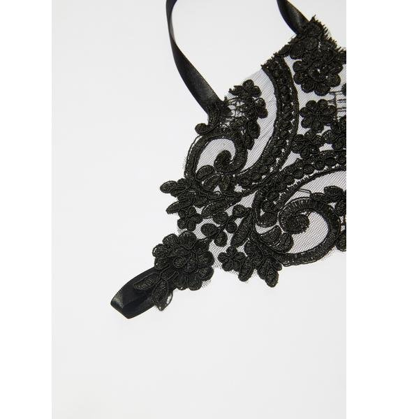Tale Of Night Lace Fingerless Gloves