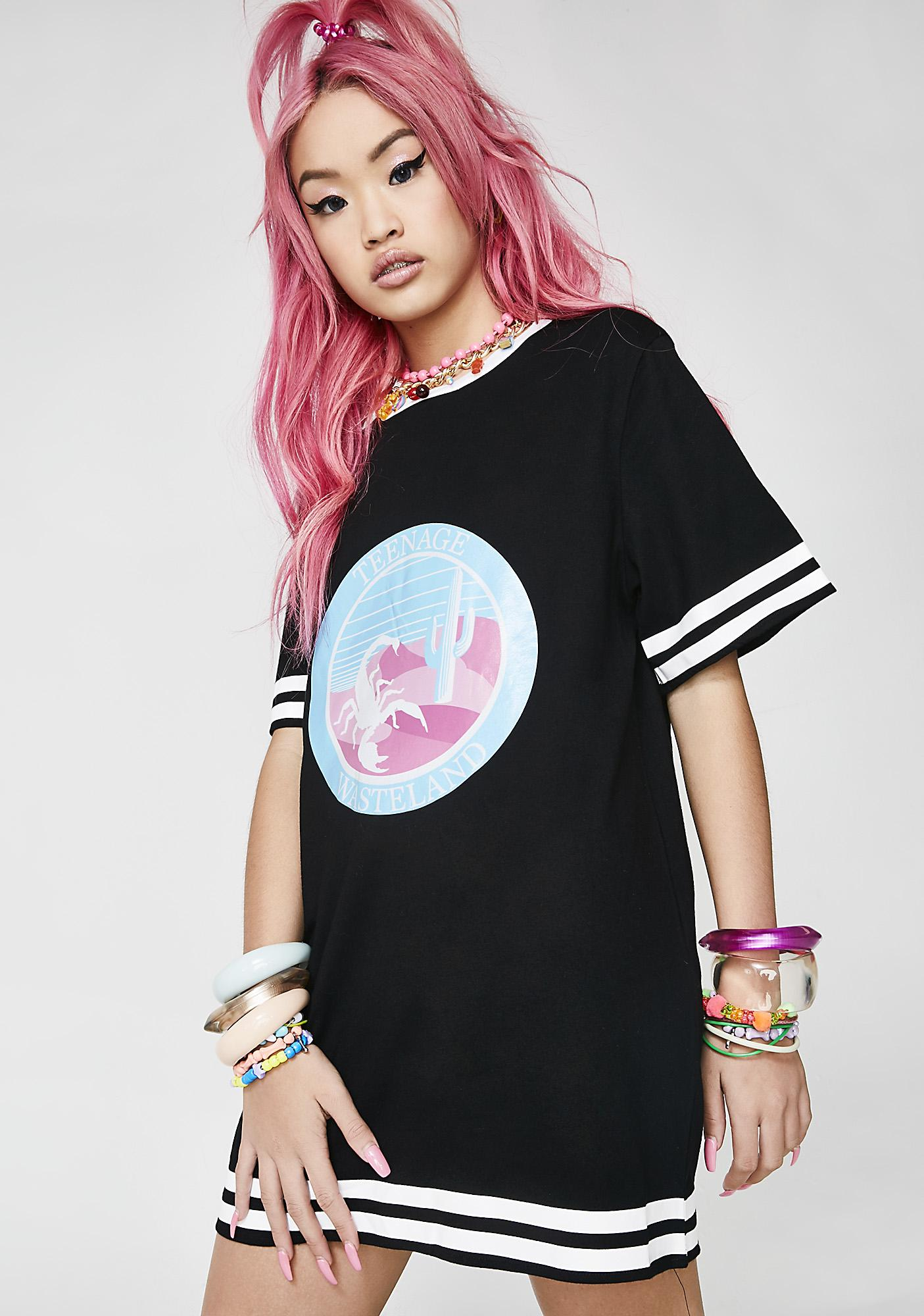 Hayley Elsaesser Scorpion Fitted Tee