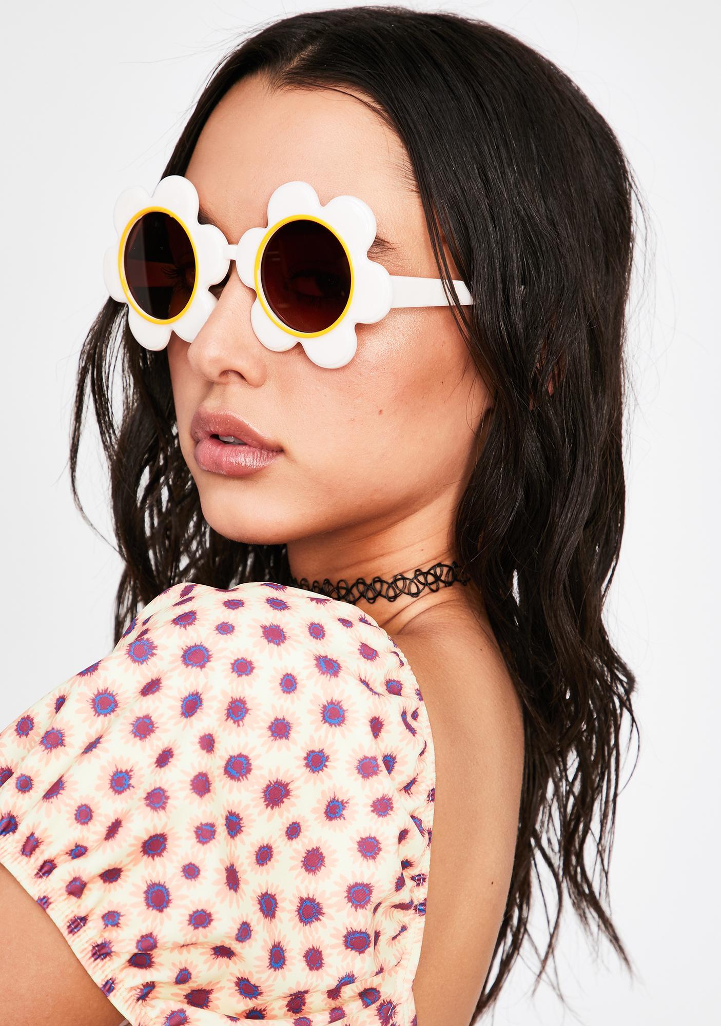 ban.do Daisy Circle Sunglasses
