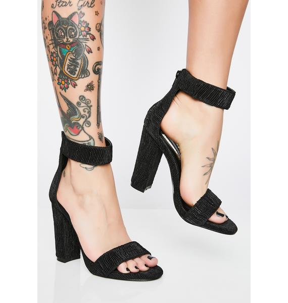 Wavy Glamour Ribbed Heels