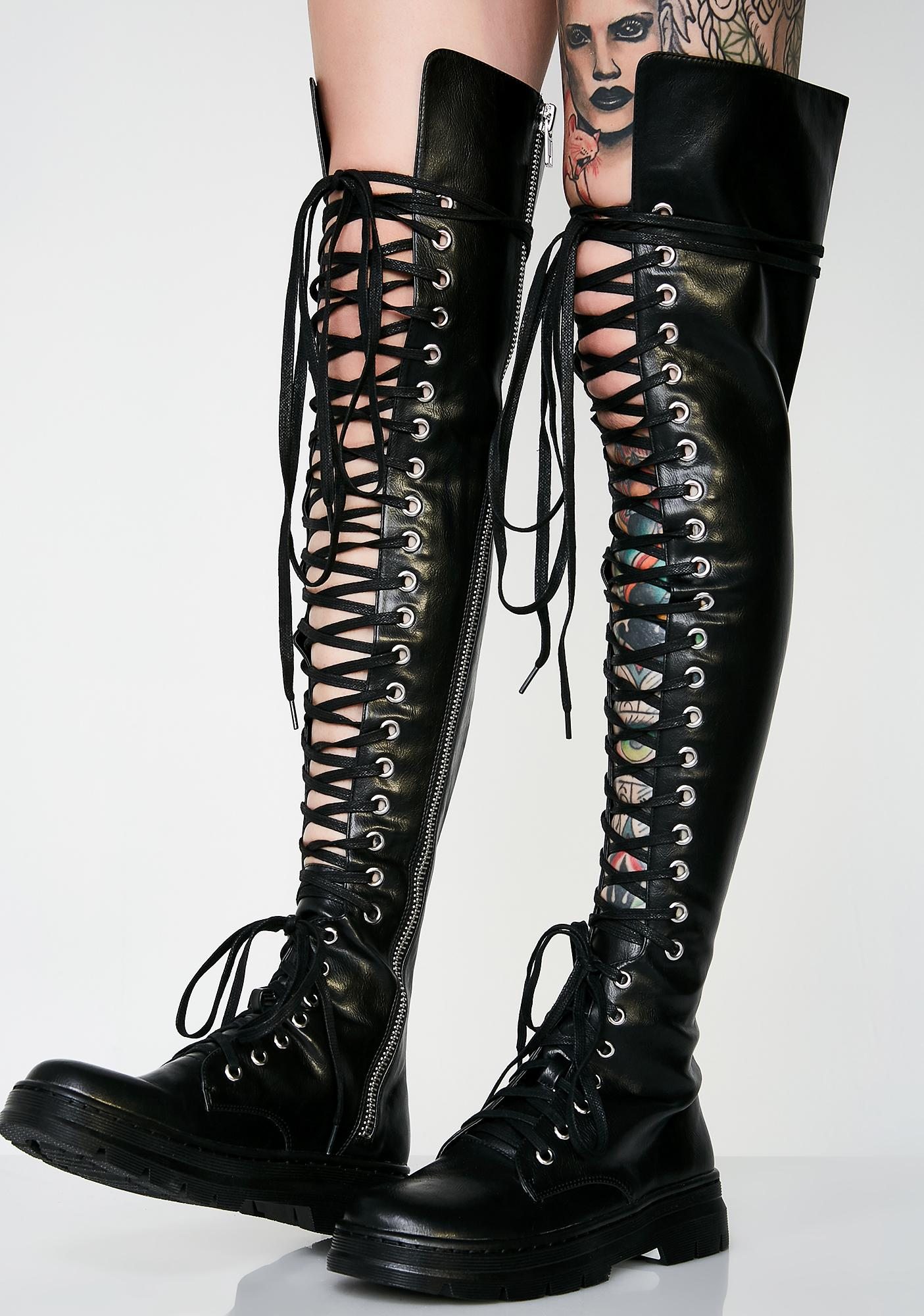 Poster Grl Marchin' To Ya Combat Boots