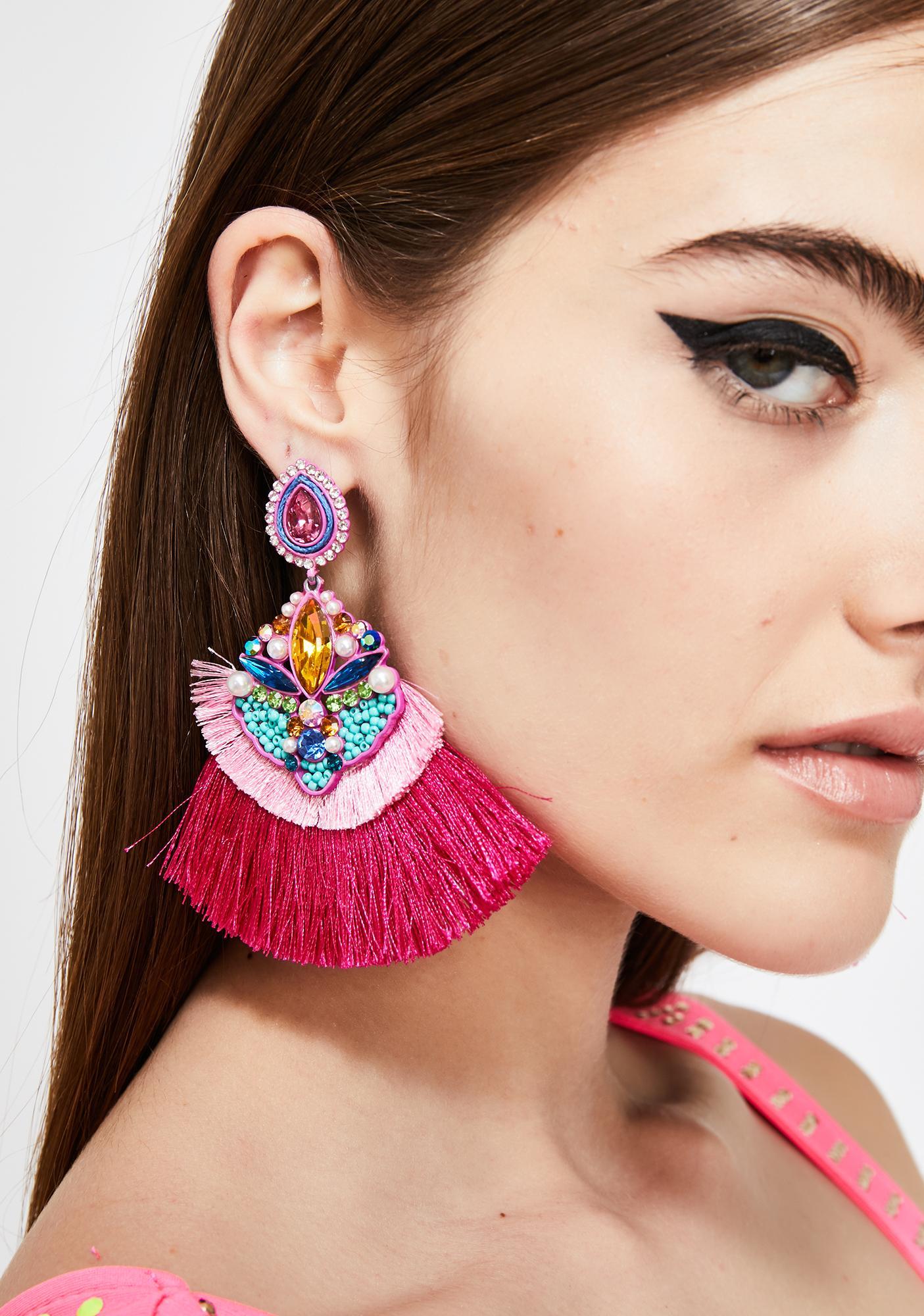 Dramatic Scene Tassel Earrings