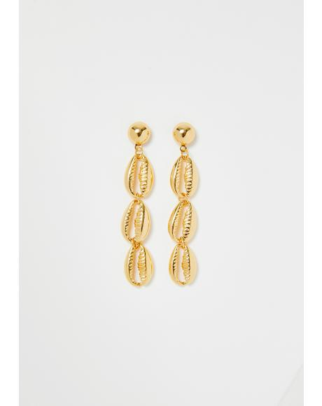 Boardwalk Babe Shell Earrings