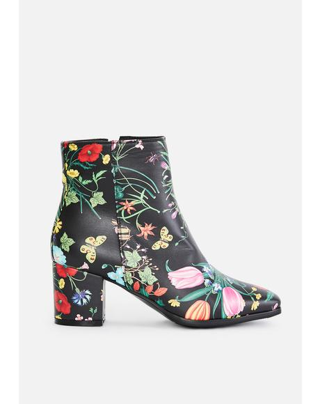 Daisy Dynasty Floral Boots