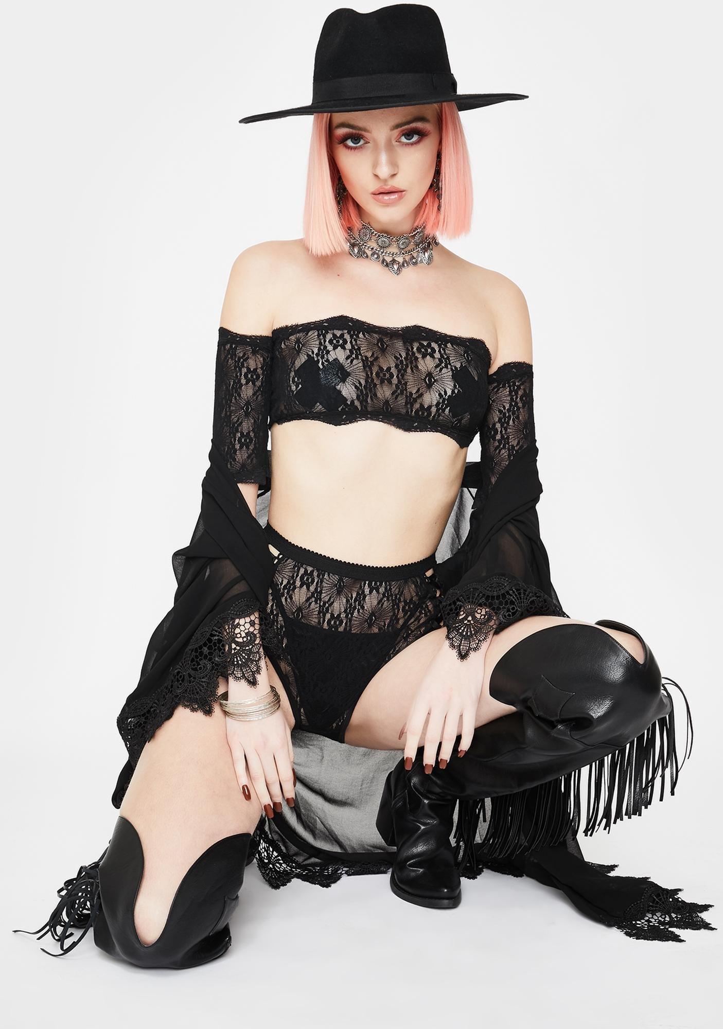 Daisy Pusher Lace Lingerie Set