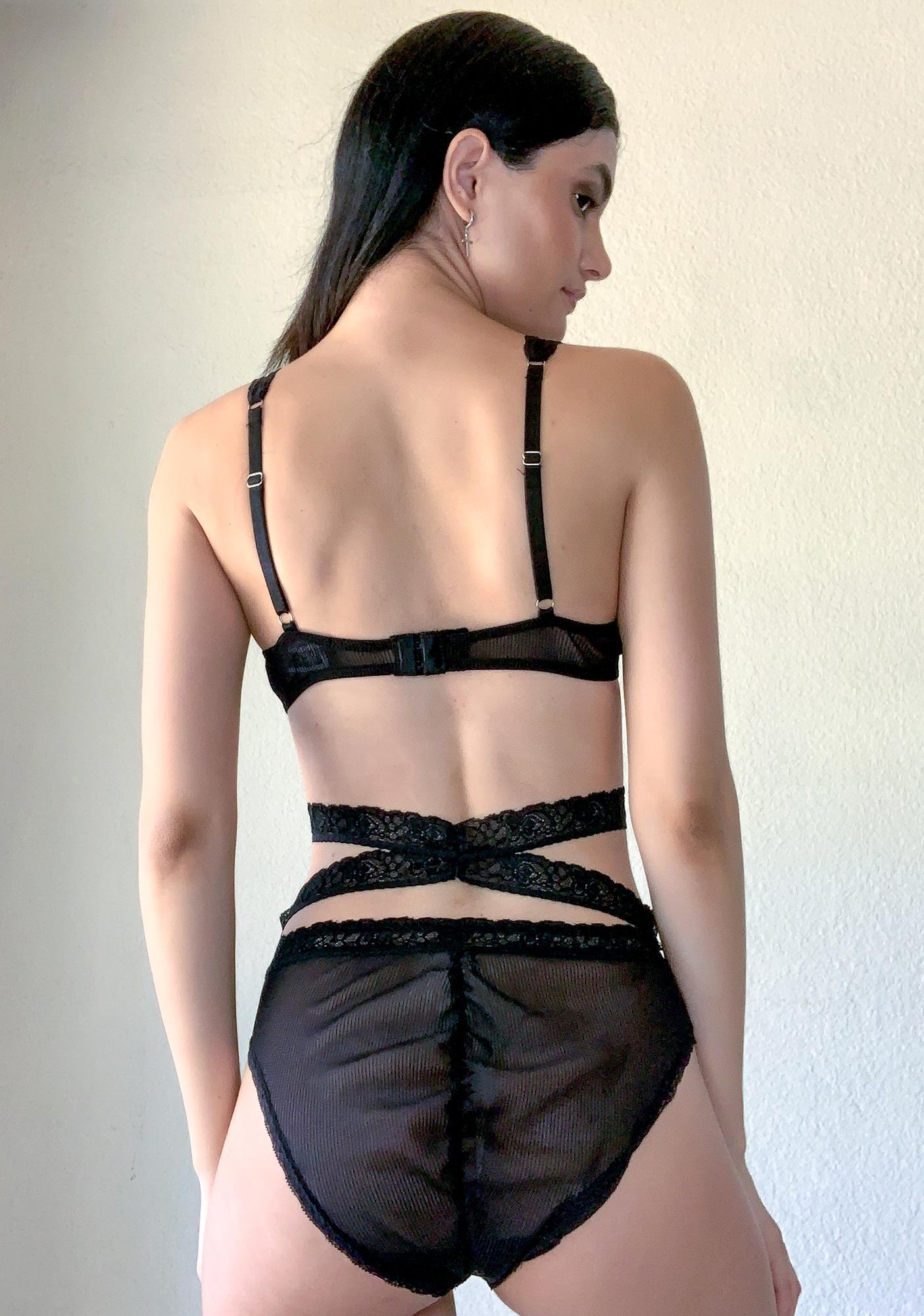 Poster Grl Centerfold Syndrome Lace Set
