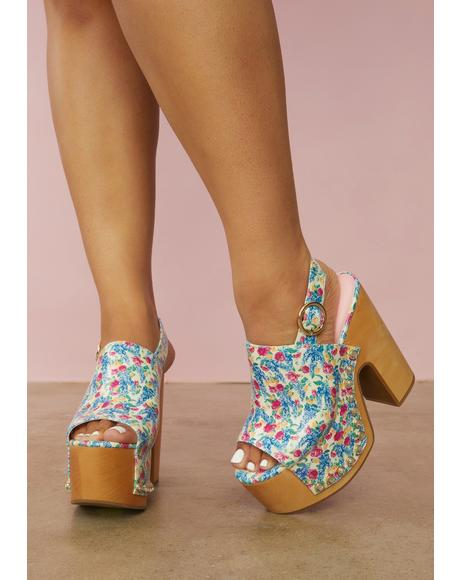 Cottage Calling Floral Print Clogs