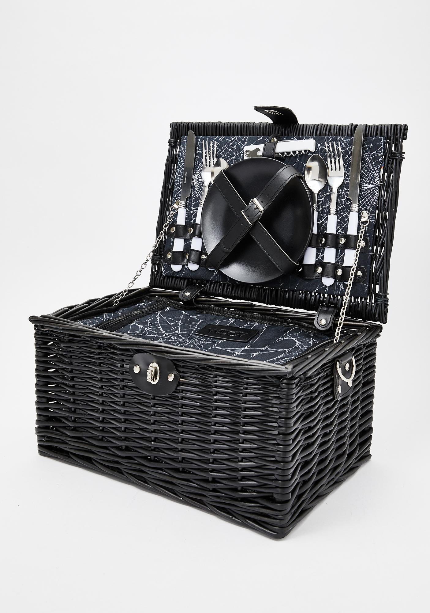 Widow Wine N' Die'n Picnic Basket
