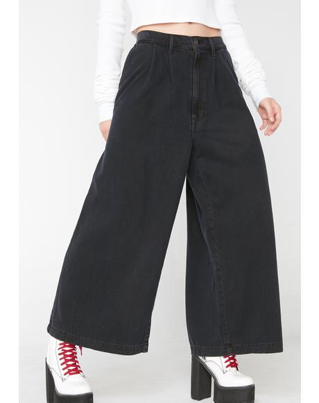 Wide Leg Pleated Jeans