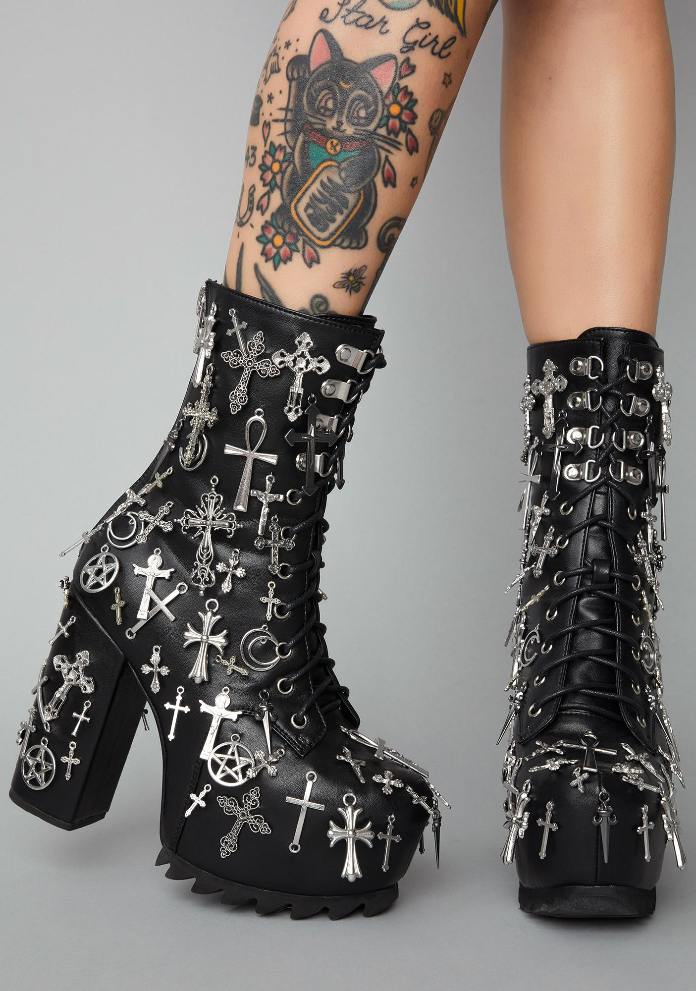 Widow Idol Worship Charm Boots